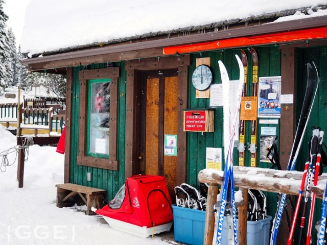 Ski rental Emerald Lake Lodge